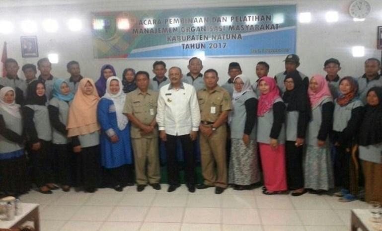 Bakesbangpol Natuna Melakukan Pembinaan Dan Pelatihan Management ORMAS, LSM Dan OKP